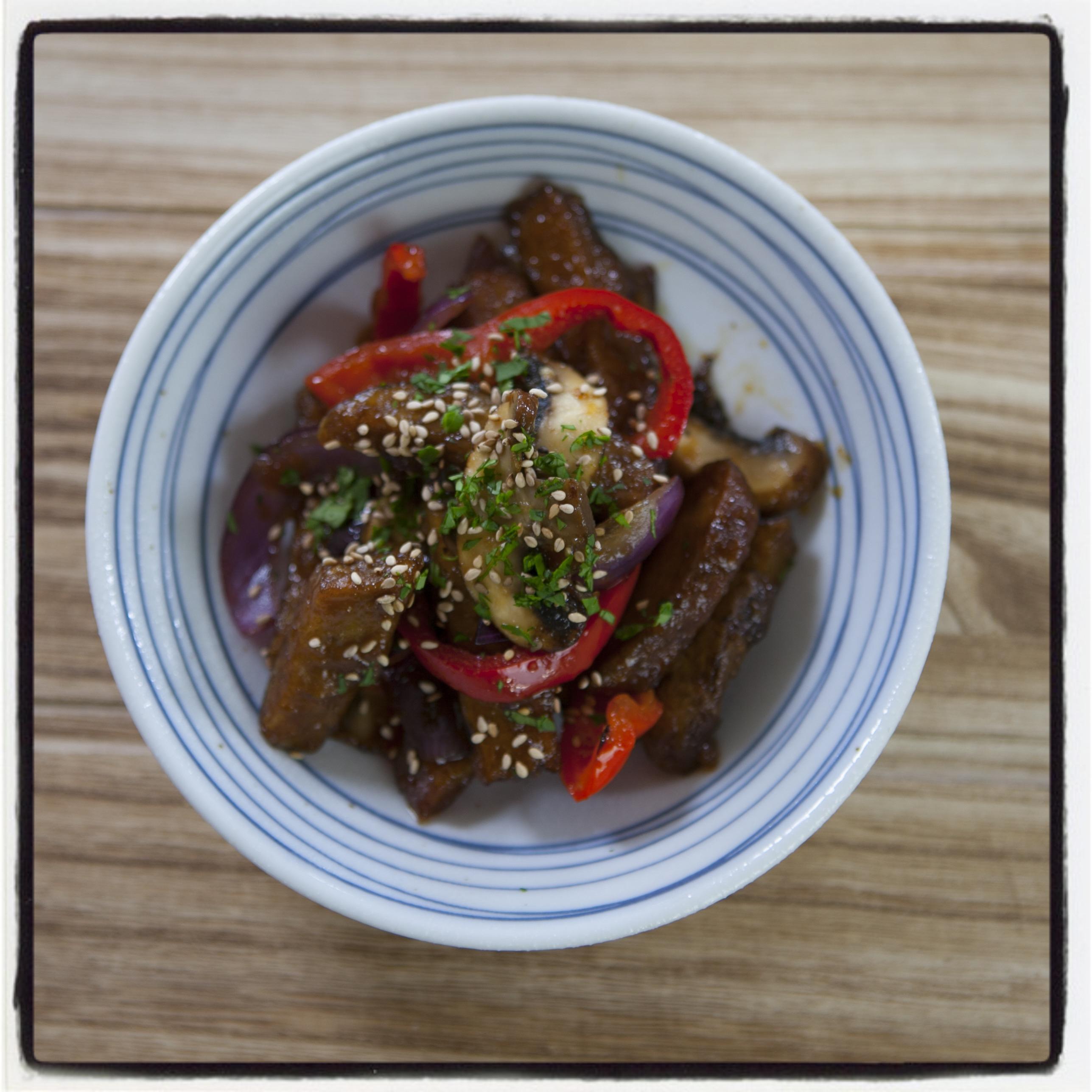 Recetas japonesas: Como preparar seitán con verduras | Taka Sasaki